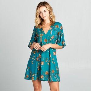 ReneeC. Women Trendy Short Sleeve V-Neck Mini Dres
